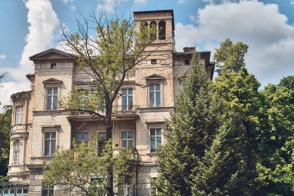 old grungy villa found in Berlin Kreuzberg