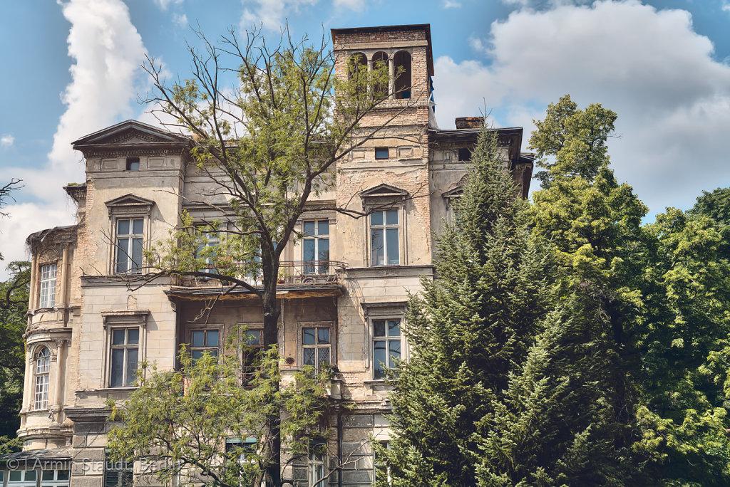 old grungy villa found in Berlin Kreuzberg